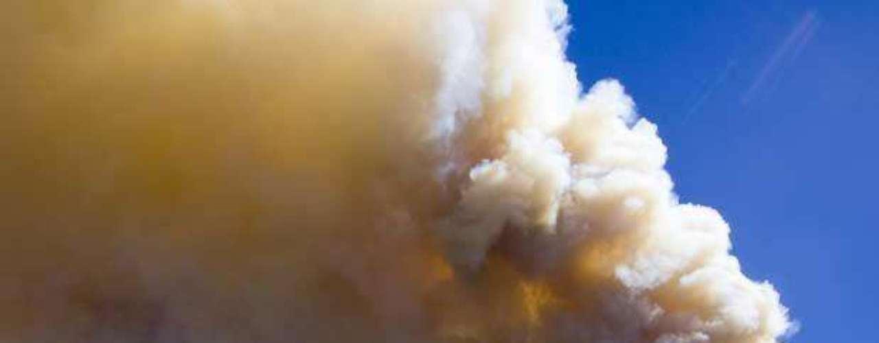 Incendio se convierte en el mayor en la historia d