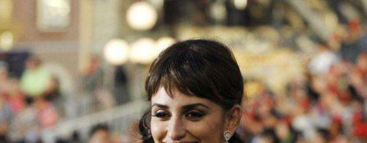 Cast member Penelope Cruz poses at the premiere of Pirates of the Caribbean: On Stranger Tides at Di