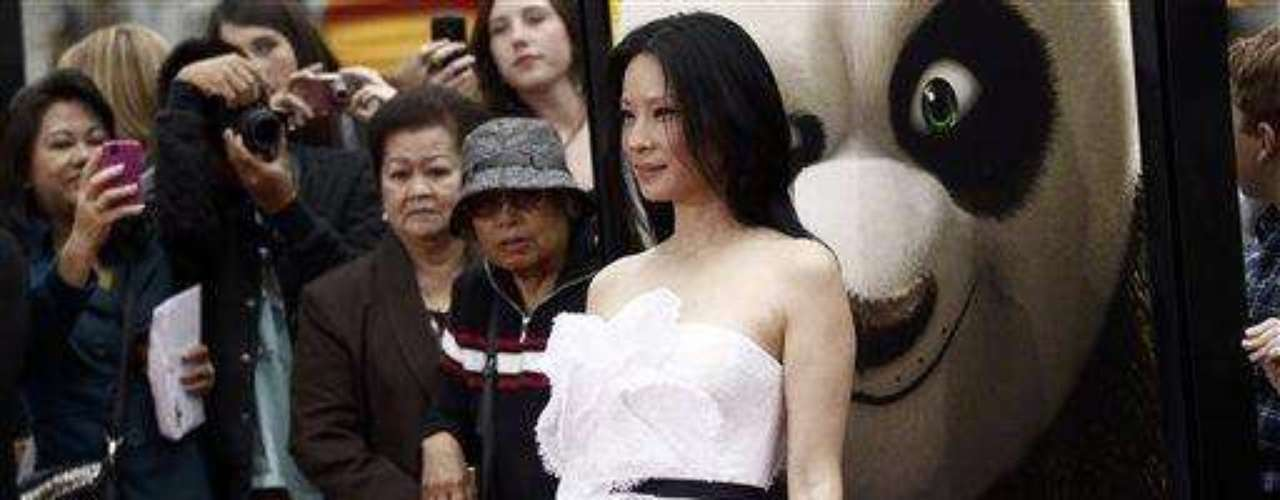 """Cast member Lucy Liu arrives at the premiere of """"Kung Fu Panda 2"""" in Los Angeles, Sunday, May 22, 2011.  The film opens May 26, 2011. (AP Photo/Matt Sayles)"""