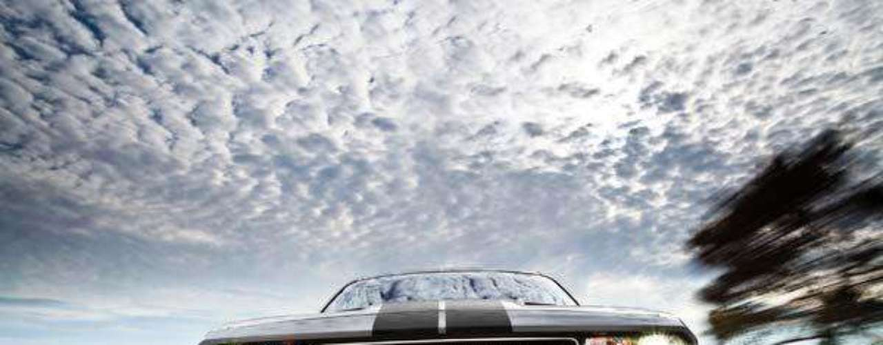 Fotos Dodge Challenger SRT8 392 2012