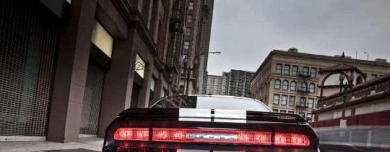 Foto Dodge Challenger SRT8 392 2012