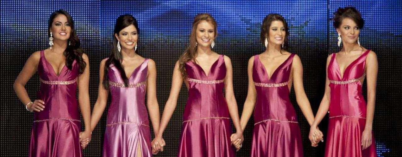 Posteriormente se dieron a conocer los nombres de las cinco finalistas del concurso, que fueron: Bárbara Turbay, Melissa Cano, Carolina Calvo, María Fernanda León y María Paula Guzmán.