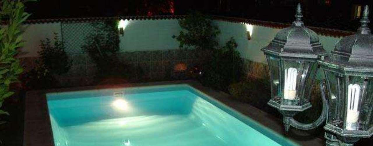 La iluminación nocturna y las cubiertas permiten que pueda utilizarse en otoño y primavera, cuando aún el sol no calienta lo suficiente.