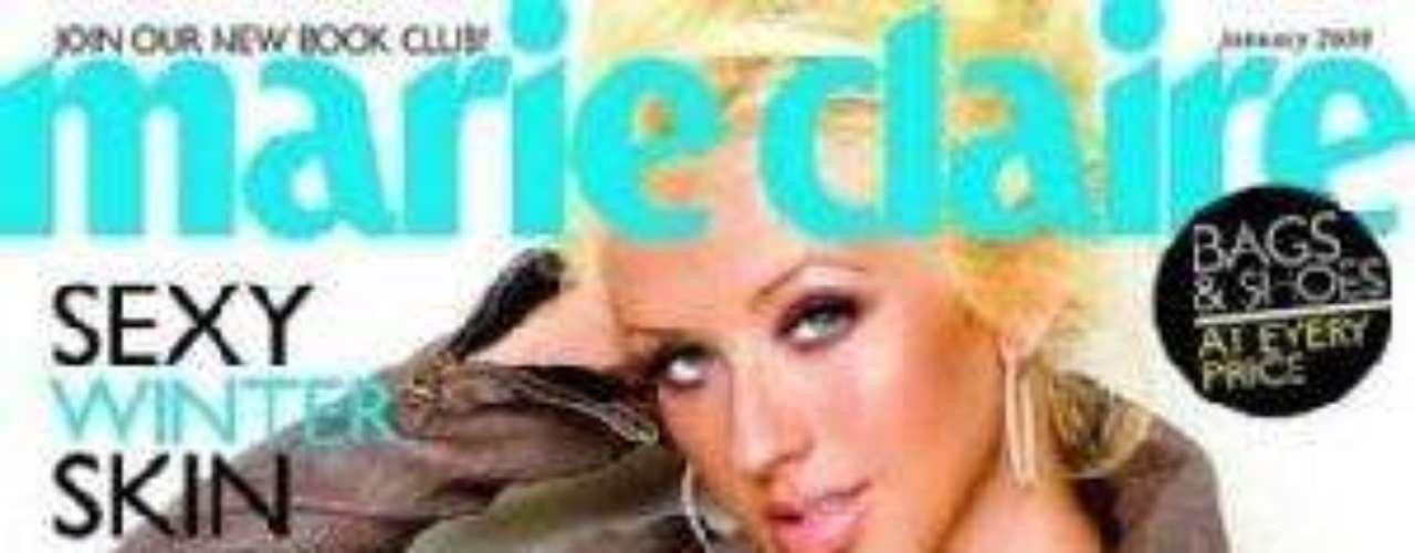 Cristina Aguilera sólo lució una chaqueta en la portada de Marie Claire cuando estaba embarazada de su hijo Max.