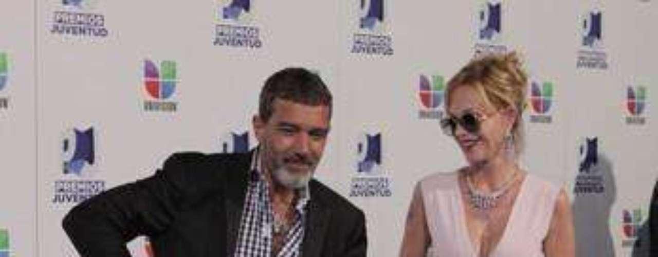 Mejor vestida: Melanie Griffith deslumbro no solo por ser la compañera de Antonio Banderas sino porque a su edad puede darse el lujo de lucir un traje entallado y lucir fabulosa.