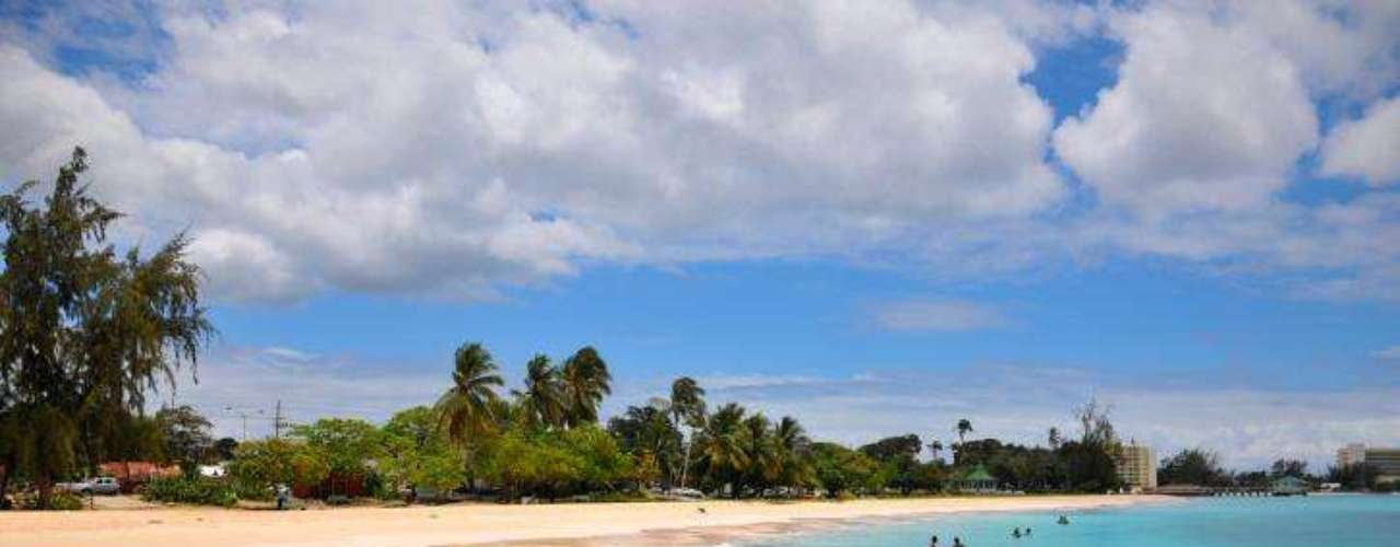 Barbados es una bella isla de estilo muy europeo, pues tiene fuerte influencia británica. Además, es el país más desarrollado de América, luego de Estados Unidos y Canadá.