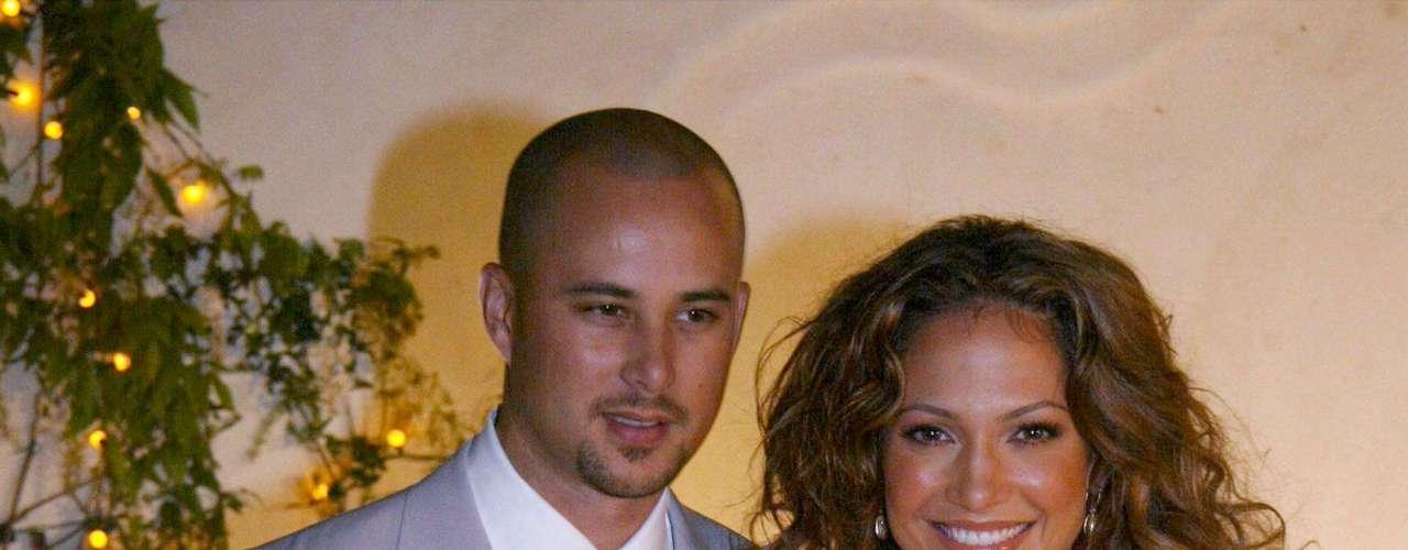 Su segundo esposo fue el bailarín Cris Judd, al que conoció filmando el video de su single \