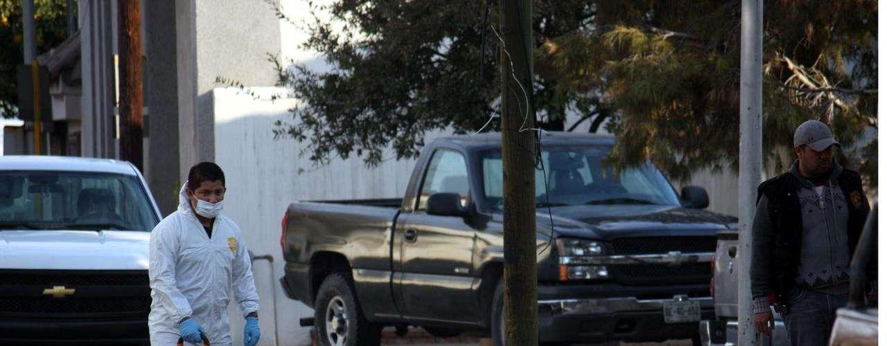 15-enero-2012.- Ejecutado frente a notaría de Monterrey. La ejecución fue reportada alrededor de las 8:00 horas en la calle Privada Rhin, entre Mariano Matamoros y Padre Mier, lugar que fue acordonado por agentes de la Policía Ministerial y de la Regia.
