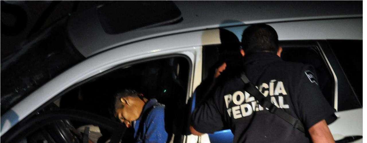 16-enero-2012.- Enfrentamiento en Morelos. Siete presuntos sicarios muertos y un agente de la Policía Federal herido es el saldo de un enfrentamiento registrado esta madrugada en la Autopista Cuernavaca-Acapulco, a la altura del Municipio de Temixco.