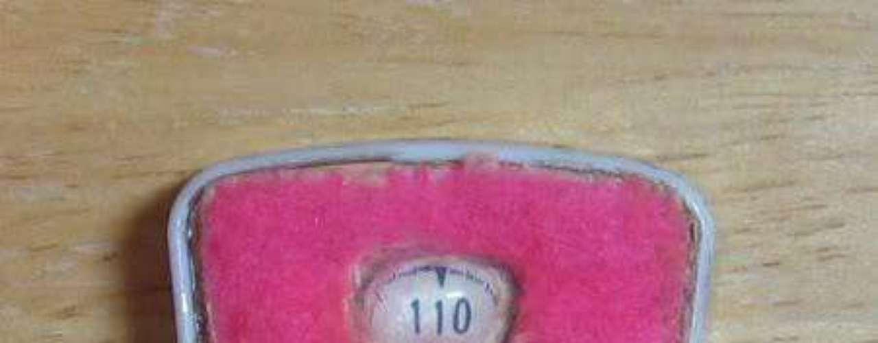 Otro punto controversial es la balanza de Barbie, que siempre está fija en 49 kilos, un peso bajo para el promedio de las mujeres.