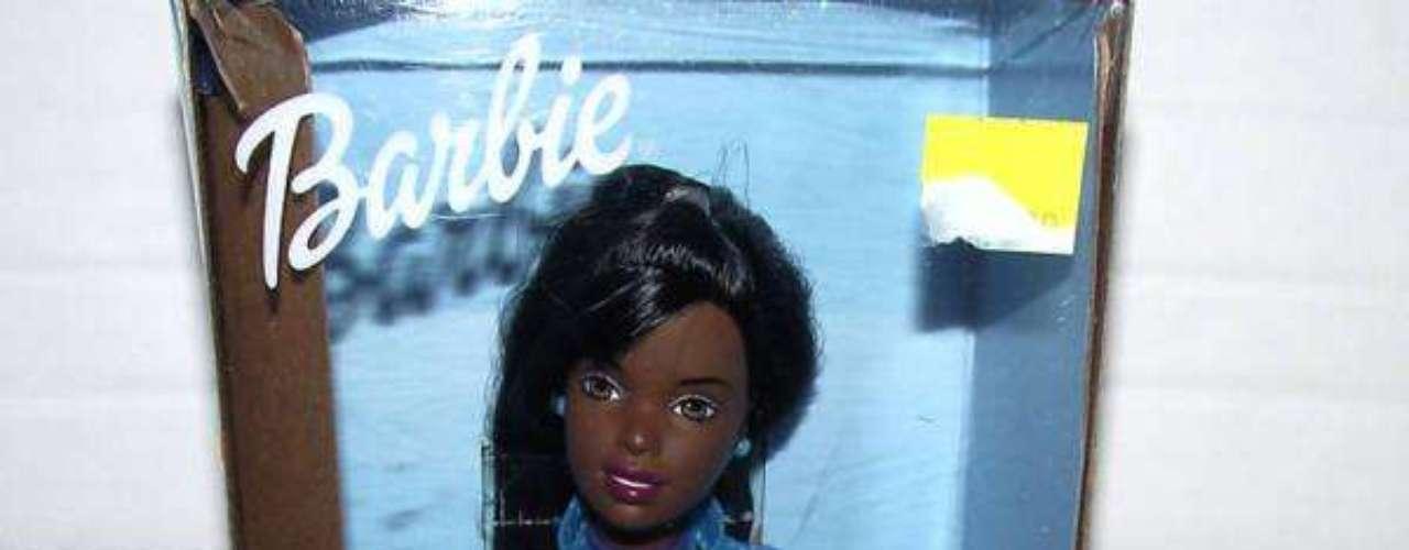 La barbie Oreo negra fue considera despectiva y racista.