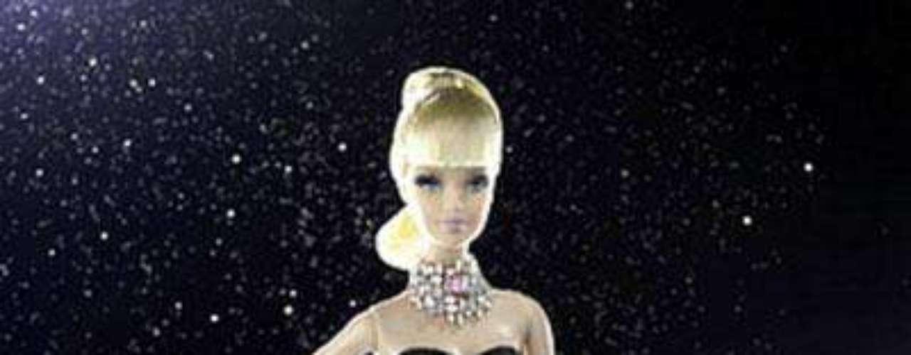 En el 2010, Mattel se unió al diseñador de joyas Stefano Canturi para crear la barbie más cara del mundo. Esta muñeca de colección  lleva un elegante vestido negro, zapatos de tacón, un peinado sofisticado, y más de 4,00 quilates de diamantes verdaderos. El precio de esta pieza extravagante rozó el medio millón de dólares,  sobrepasando por mucho el récord anterior de Barbie $ 85.000.