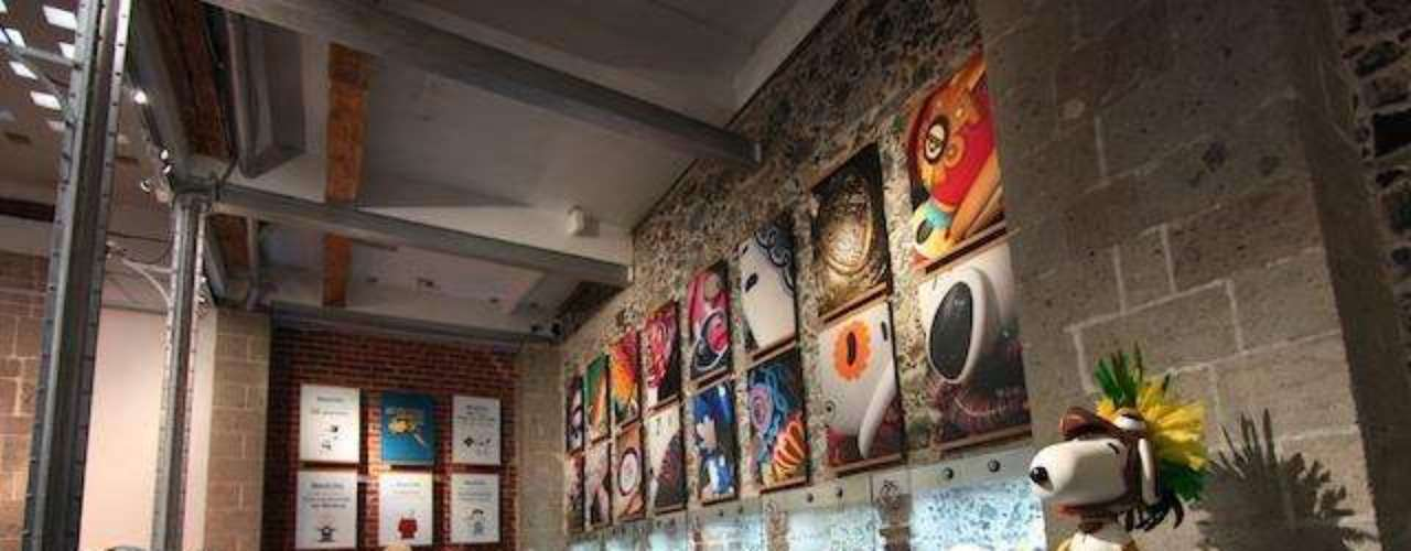 Consiste en una iniciativa artística que convocó a reconocidos creadores y diseñadores, así como al público en general, a intervenir esculturas de este famoso personaje.