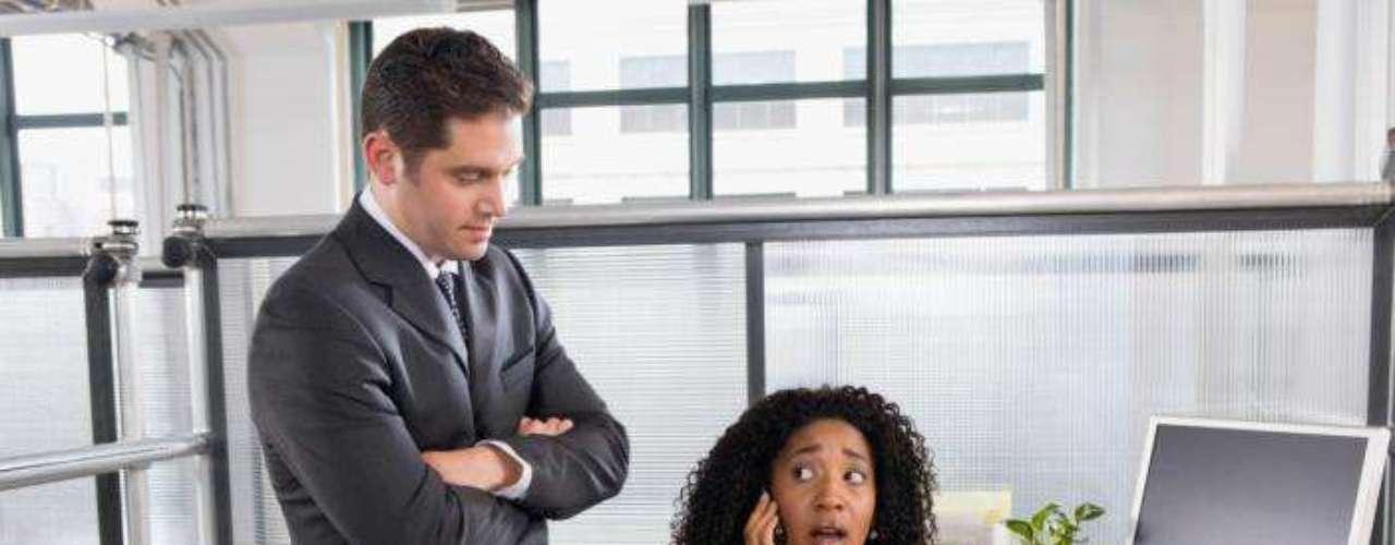 Adicionalmente un 51% ha sido víctima de abuso verbal por parte de otros empleados y compañeros de trabajo.