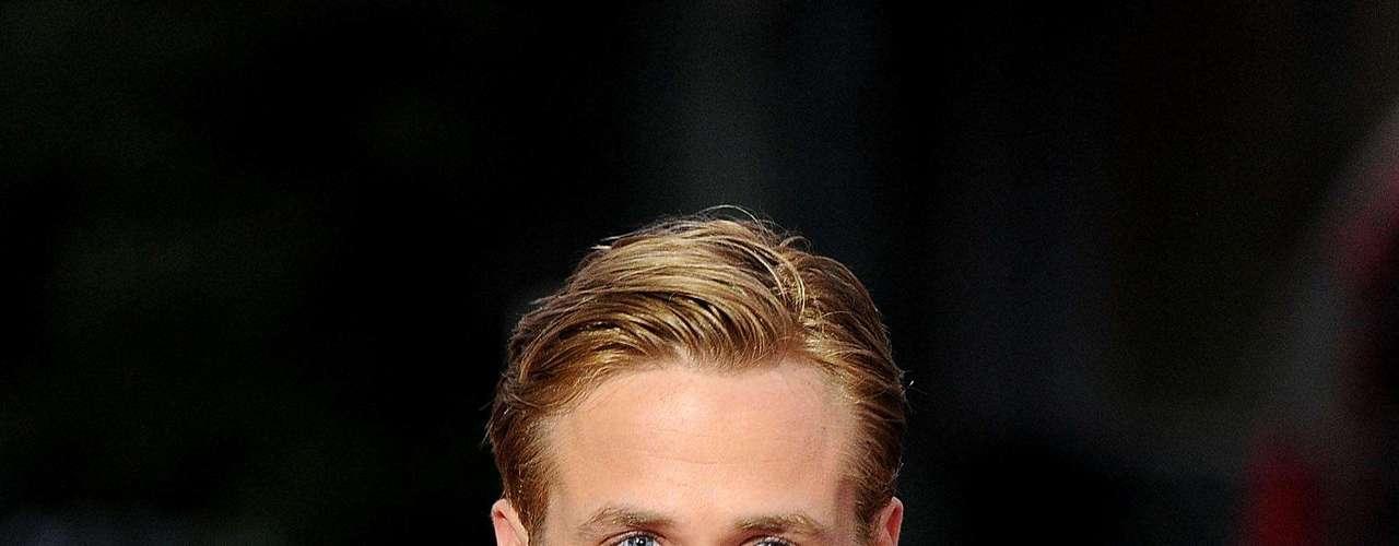 """La revista """"Heat"""" fue la encargada de consultar a sus lectores, modelos, fotógrafos y periodistas para develar quiénes son los más lindos del mundo.  Los requisitos que debían cumplir los elegidos era destacarse por su sex appeal, por su buen gusto al momento de vestirse y, lo más importante, por tener una gran personalidad. Y los ganadores son…  2. Ryan Gosling."""
