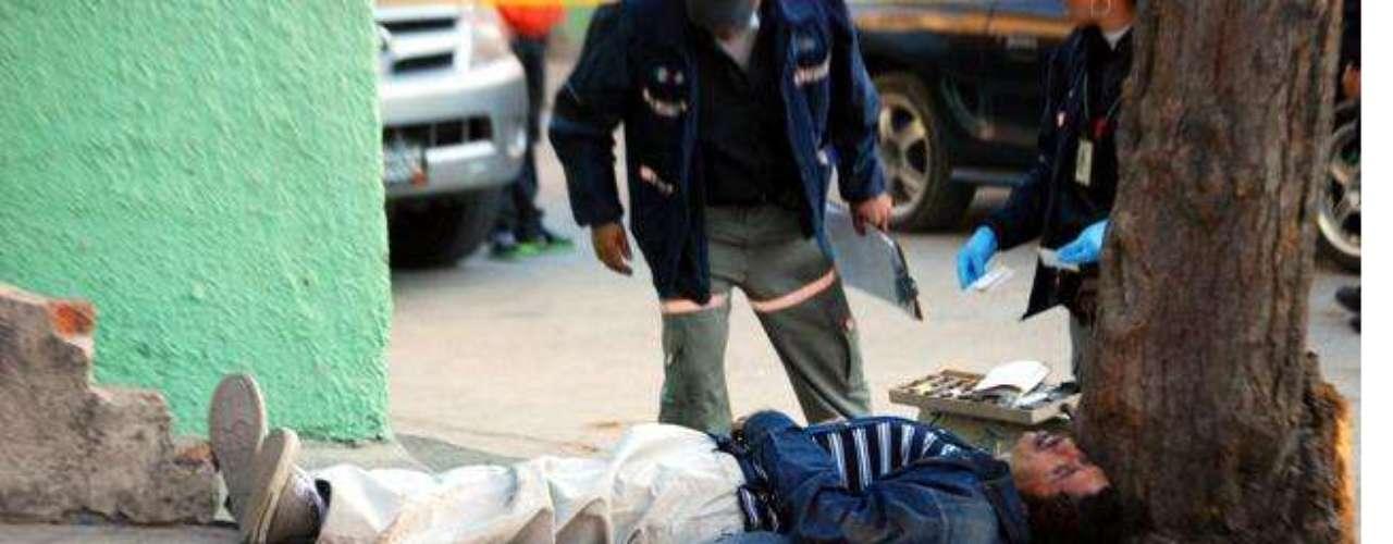 28-enero-2012.- Matan a sujeto en Guadalajara. En la Colonia Heliodoro Hernández Loza se registró el homicidio de un hombre, al que le dieron un balazo en la cabeza.