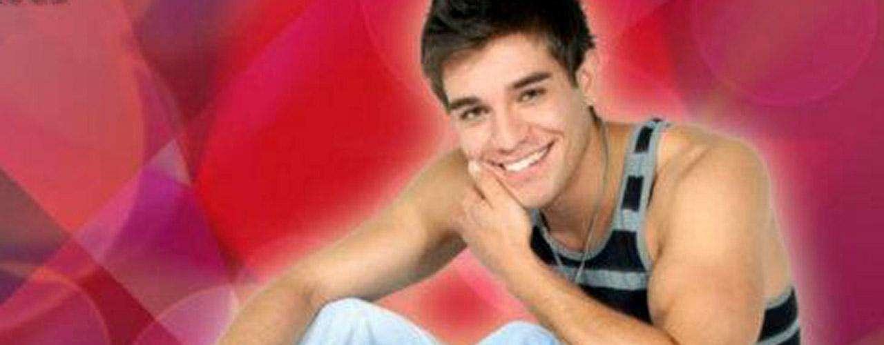 El joven apenas comenzaba a desarrollar su carrera en televisión, para muchos el nombre de Gabriel Estrella comenzó a resonar después de su trágica muerte.
