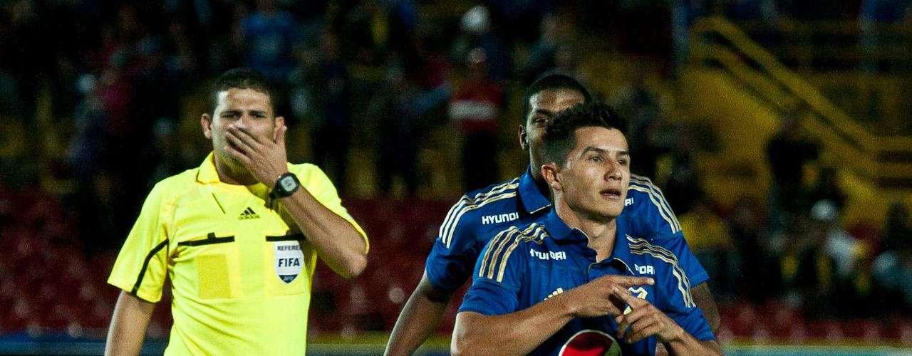 Omar Vásquez y su gol en el empate ante Huila en Bogotá.