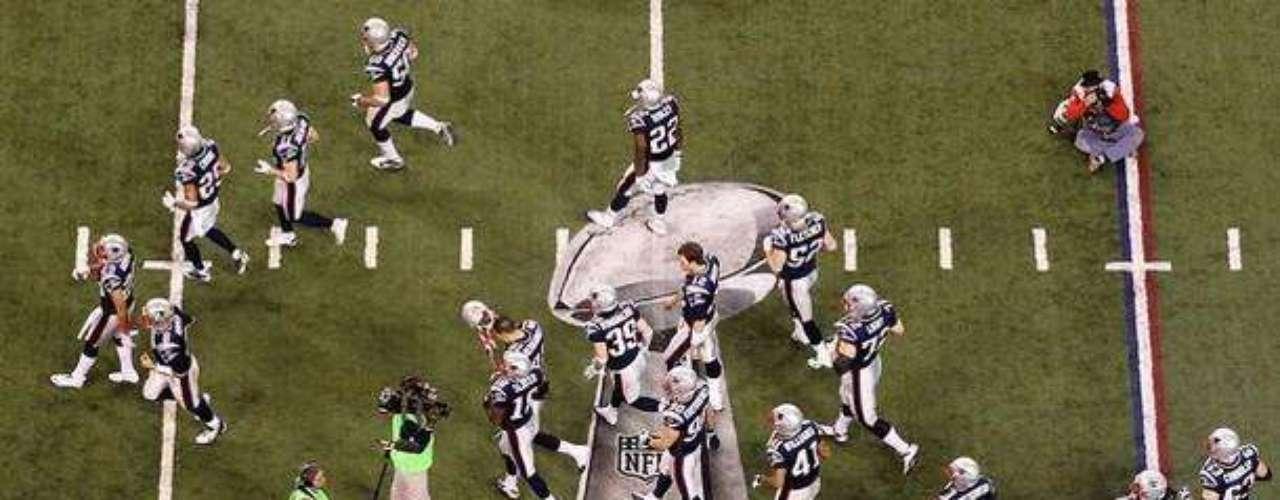 ¡Todo listo! Inicia el Super Bowl, todos a disfrutar y que gane el mejor
