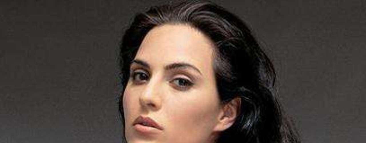 Keyra Agustina es el seudónimo de la argentina Julieta Machado, quien se hizo famosa debido a sus fotografías y vídeos caseros que circulan en la red a partir de 2004. Keyra es la número ocho del listado de Zoo.co.uk.