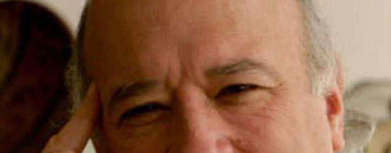 El 21 de octubre de 2010 Uribe criticó la decisión del procurador General de la Nación, Alejandro Ordóñez, de sancionar al exfuncionario por 12 años. Sabas Pretelt, una vida al servicio del país, pero vale más la mentira de un delincuente.