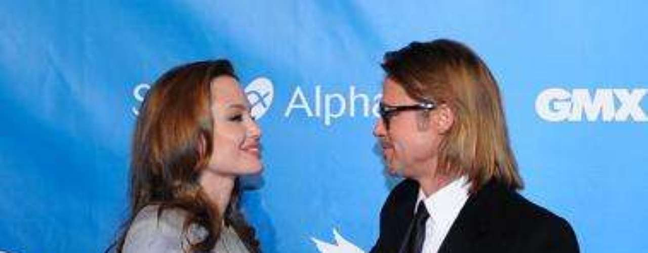 Brangelina Get Romantic On The Red Carpet.