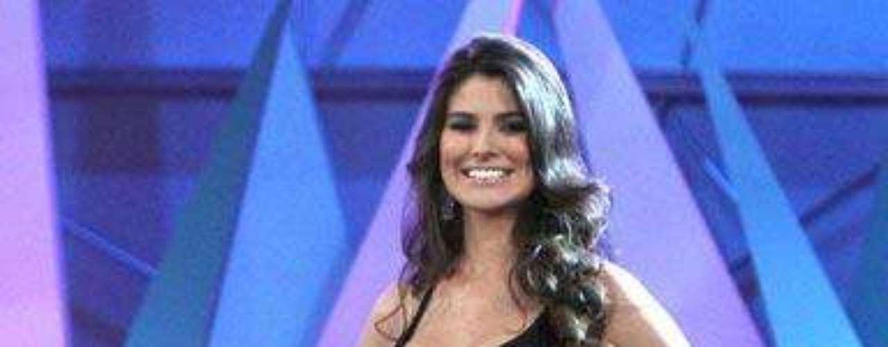 Karina González mide 1.76 cm y tiene 20 años. Esta bella representante nacida en el estado de Aguascalientes en 1991, fue la triunfadora indiscutible del certamen \