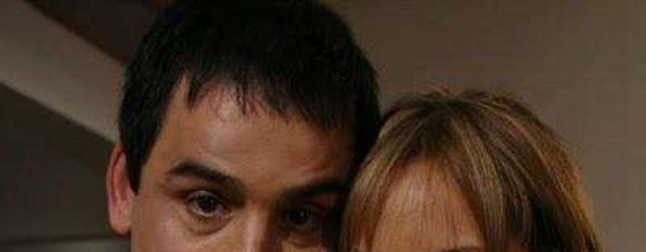Un romance entre Sara Corrales y Robinson Díaz puso fin a los 17 años de matrimonio del actor y su esposa Adriana Arango.