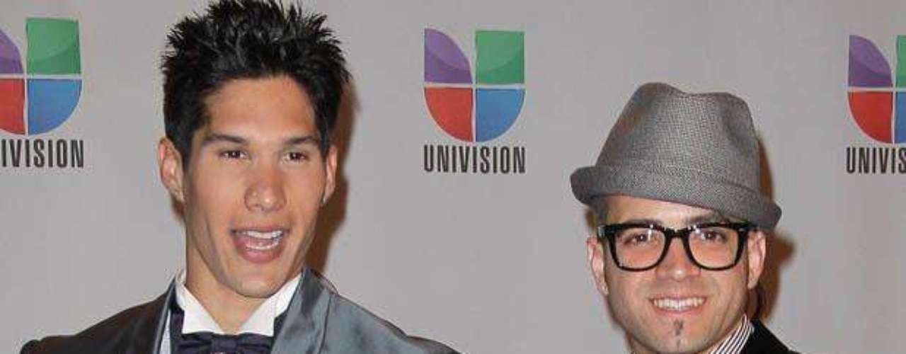 Chino y Nacho looked so adorable on the red carpet without their urban street wear!