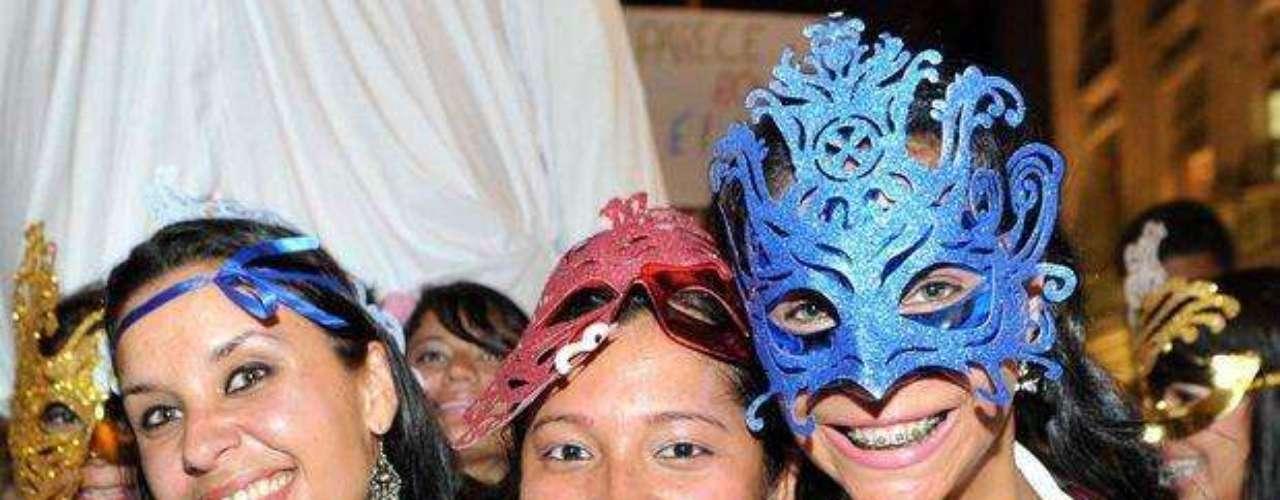 El carnaval invadió la noche de Rio de Janeiro