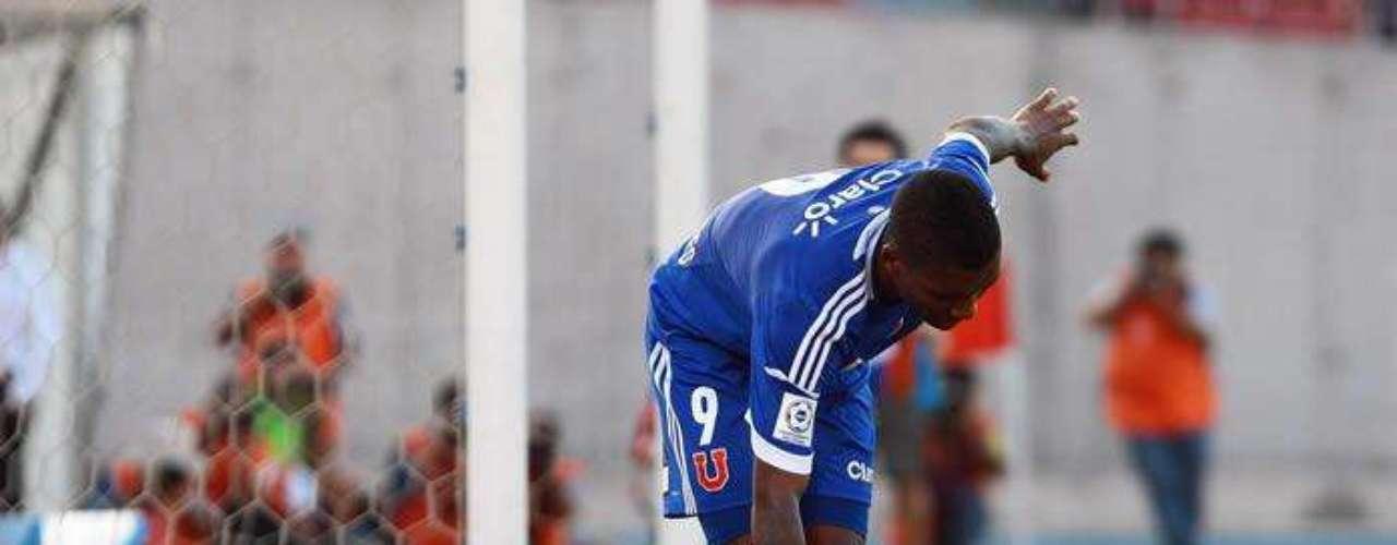 La 'Pulga' Ruidíaz recibió una patada al anotar el tercer gol de la U. de Chile ante Palestino