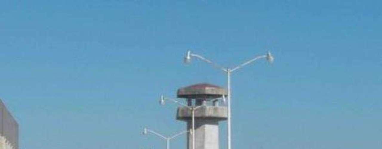 Al menos 15 personas murieron y 11 resultaron heridas después de un enfrentamiento entre presos ocurrido en un penal de Reynosa, en el estado de Tamaulipas, el 20 de octubre de 2008. El hecho ocurrió 11 días después de que 17 reclusos se fugaran de esa cárcel, con la supuesta ayuda de funcionarios.