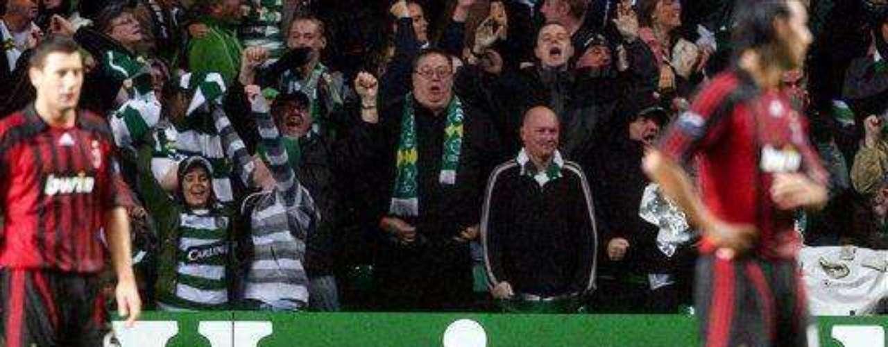 Nuevamente Dida fue agredido por un hincha de Celtic de Escocia.  Esta vez fue en la Champions de 2007, un hincha invadió el campo de juego y agredió al arquero. Se dijo que Dida exageró la agresión