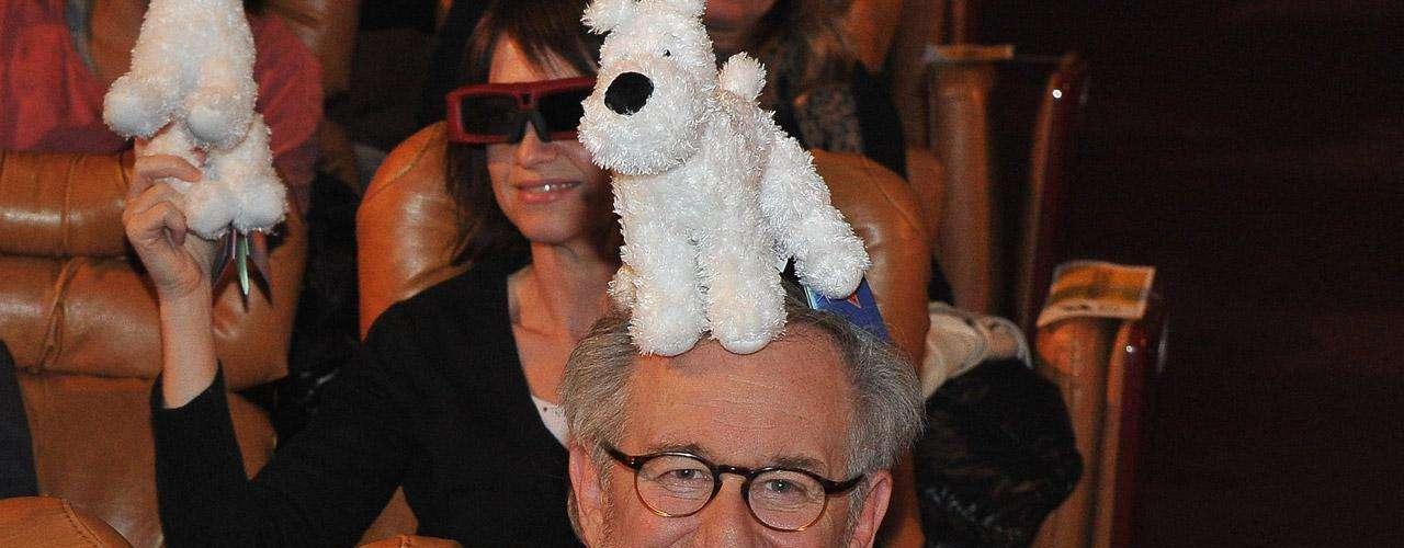 Steven Spielberg tiene una hija que lleva por nombre Destry Allen Spielberg. Aún no nos queda claro si lleva el nombre Destry en honor a una comuna francesa, a una banda de música folk, a una película de vaqueros o a alguna locura momentánea del afamado director.