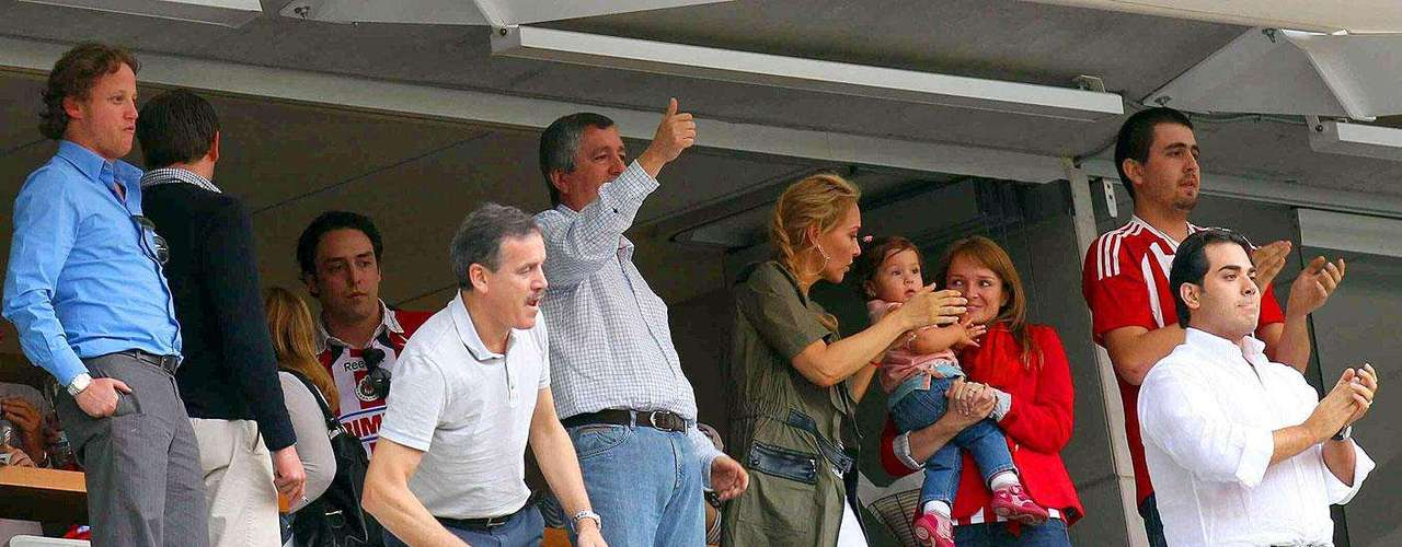 Chivas gana 2-1 a Santos: Jorge Vergara observó el primer triunfo del Guadalajara