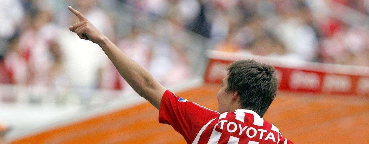 Chivas gana 2-1 a Santos: Erick Torres festeja su gol ante Santos Laguna. Su gol dió el triunfo al Guadalajara.