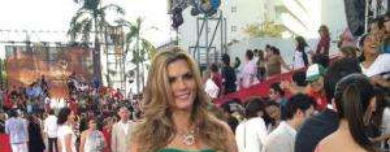 Síguenos en Facebook - Twitter¡Ganadores! Estos fueron los triunfadores de los Premios TVyNovelas 2012    Jorge Salinas con premio y pleito en los TVyNovelas¿Por qué Anahí no llegó a los premios TVyNovelas?     Actores en México se pierden a Bichir en los Oscar, por andar en los TVyNovelas