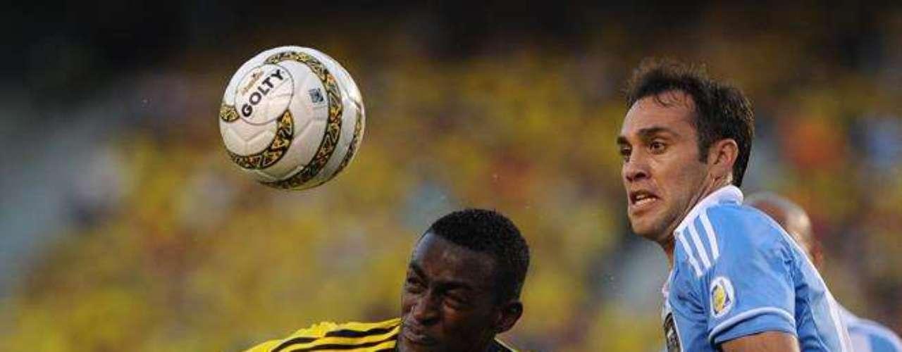 JACKSON MARTÍNEZ: El ariete colombiano del Jaguares de México es observado por varios equipos ingleses, pero es el Liverpool el más interesado.