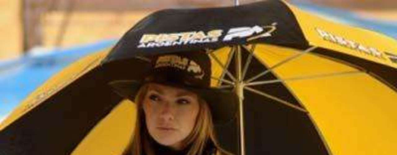 Fotos Chicas de Chevrolet y Dodge en el TC 2012