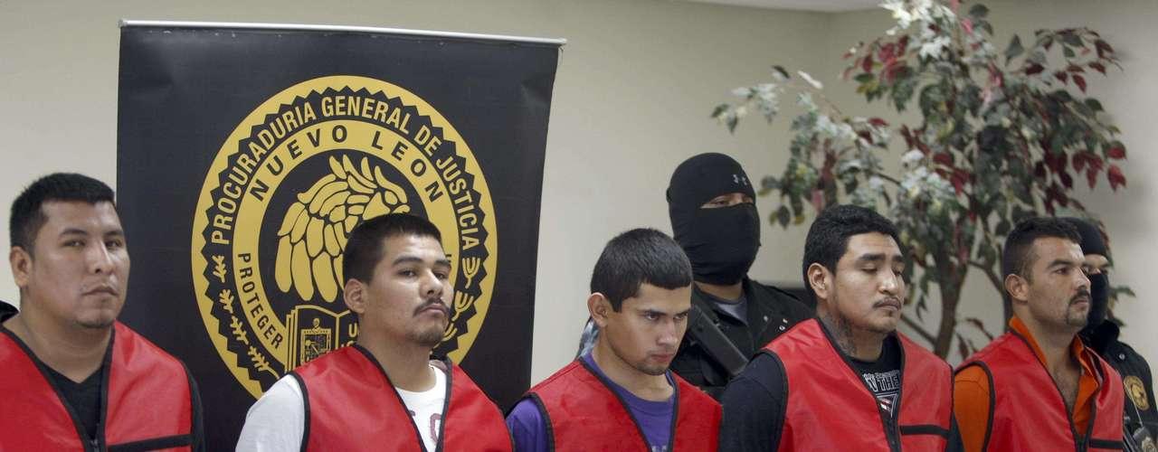 Febrero 1°: Fueron capturados cinco miembros de \