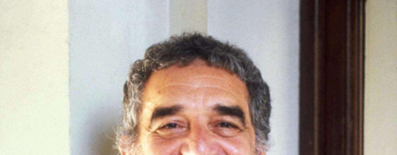 García Márquez posa sonriente al conocer la nominación al Premio Nobel.