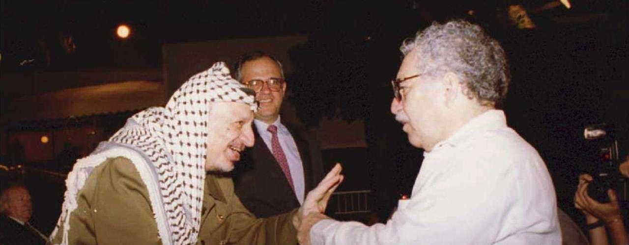 Junto a Yasser Arafat en Cartagena.