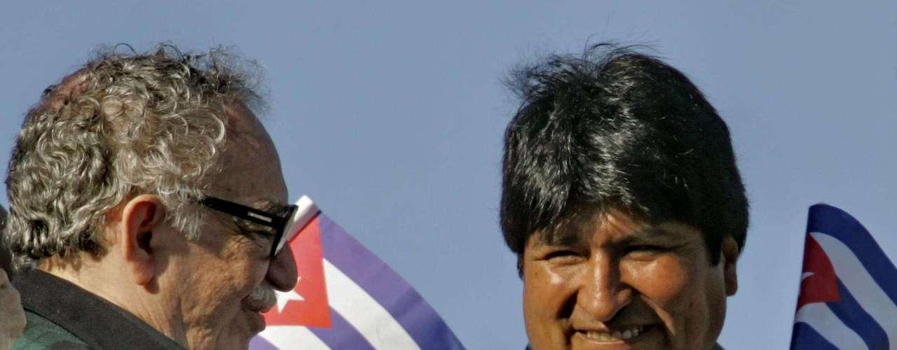 Junto al presidente boliviano Evo Morales durante la celebración del cumpleaños de Fidel Castro en La Habana.