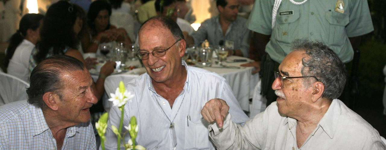 Junto a Enrique Santos Calderón y Jose Salgar.