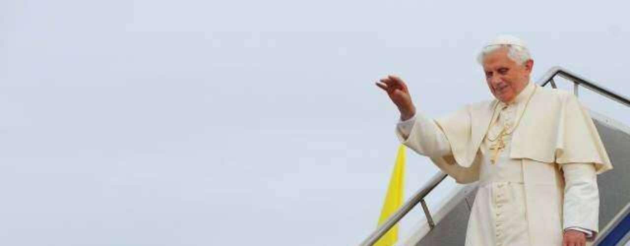 Durante los sieteaños del actual pontificado de Bendicto XVI, Su Santidad ha realizado un total de 24visitas pastorales fuera de Italia. Ha viajado a 23países en 5 continentes; destacando tres visitas a España y tres a su país natal, Alemania, además de sólo tres países latinoamericanos, Brasil, México y Cuba.