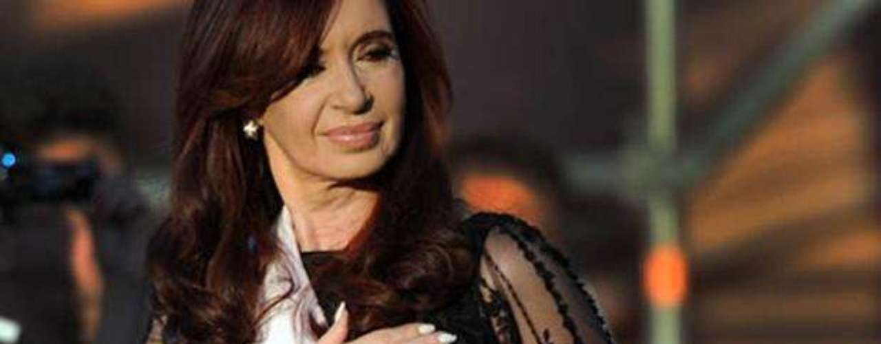 Cristina Elisabet Fernández de Kirchner: Abogada de profesión, fue la segunda presidenta argentina. En 2009, Fernández de Kirchner fue colocada por la revista Forbes en el puesto número 11 entre las 100 mujeres más poderosas del mundo.