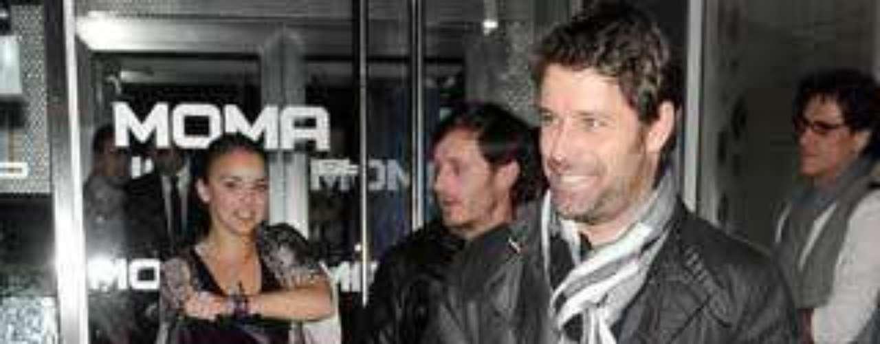 Chenoa junto a Juan Peña, que es quien le presentó a Curi, y David Ascanio.