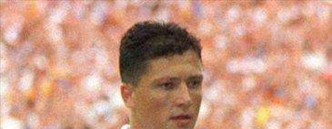 El bulgaró Luboslav Penev, que se destacó en España en la década del 90, especialmente con el Valencia, tuvo que dejar parcialmente el fútbol en 1994 debido a un cáncer testicular. Un año después volvió y su nivel no decayó.