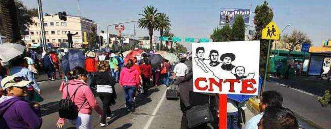 Según la Policía capitalina, los manifestantes únicamente suman alrededor de mil 300.