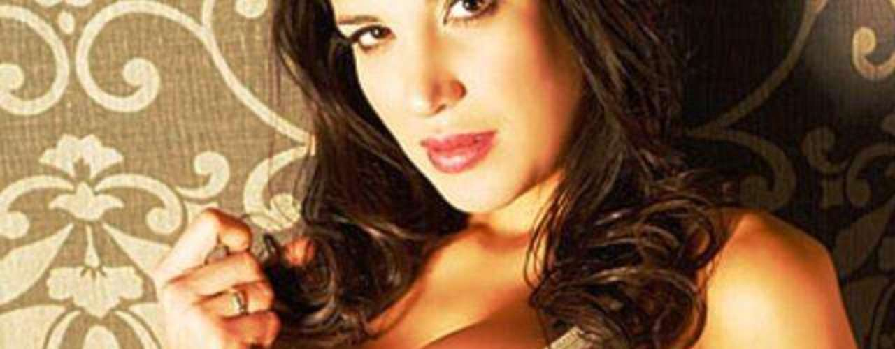 Este mes hay nuevas fotos de Andrea Rincón desnuda en Playboy. La tapa de la revista XXX muestra a la morocha desnuda y aseguraba sobre Rincón que \